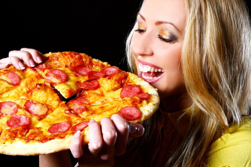 Порно фотогрaфии с пиццей