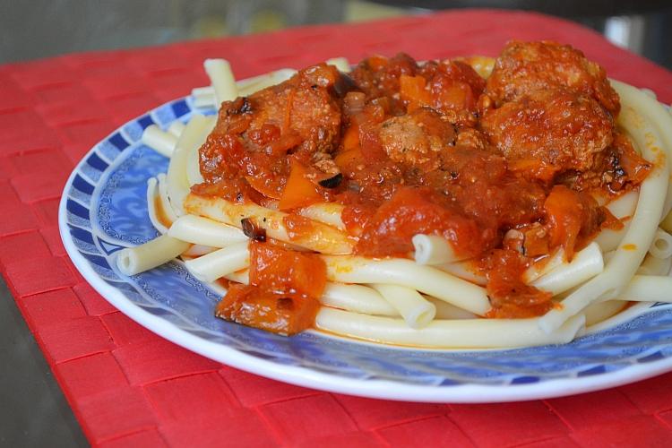 Мясо в чесночном соусе рецепт с фото
